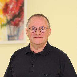 Dr. Baumer